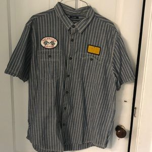 Short sleeve blue striped shirts w/3 patches